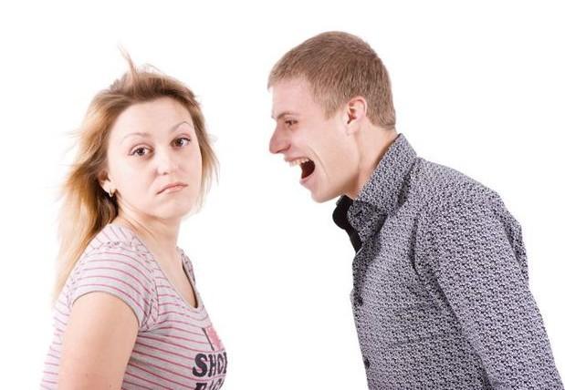 если муж кричит