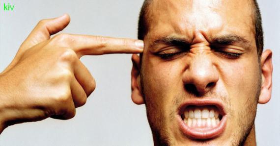 15 фраз которые бесят мужчину
