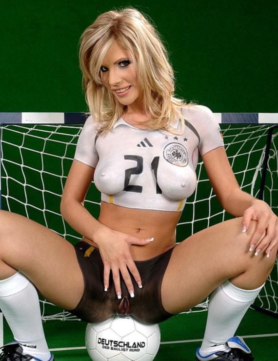 футбольная интерпретация боди арт