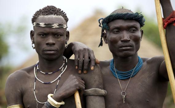 большие члены африканских мужчин