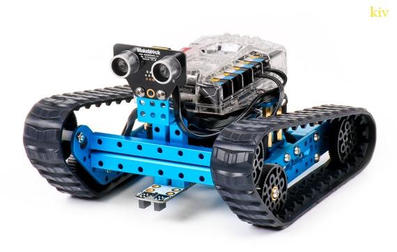 коллекция новогодних подарков - конструктор роботов