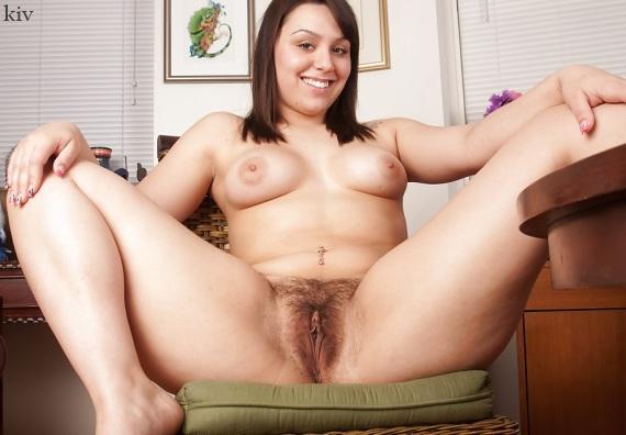 волосатый лобок женщины