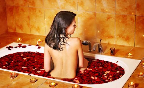 девушки любят интимную романтику в душе