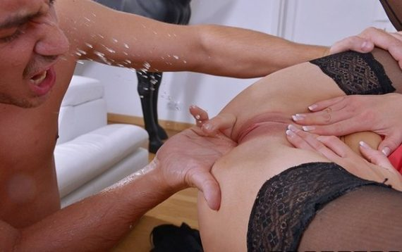 Женский массаж до сквирт оргазма