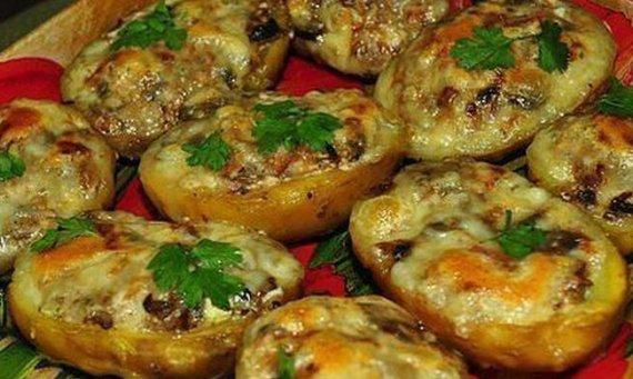 Вкусный фаршированный картофель