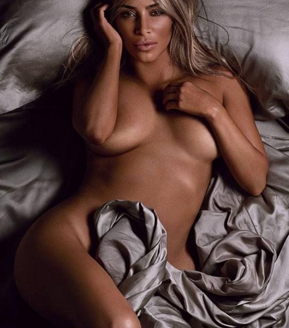 Ким Кардашян без одежды