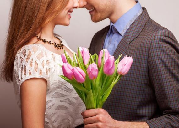 любящий мужчина обязан дарить цветы