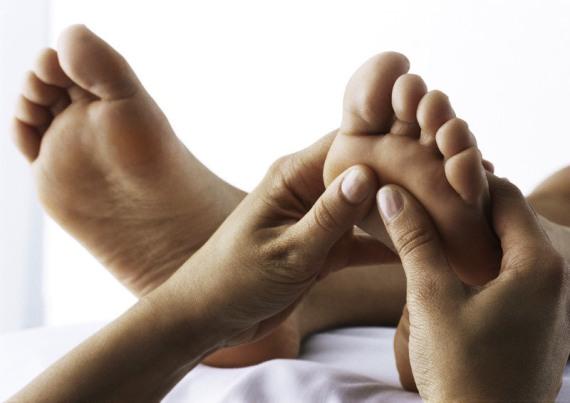 научись массировать женские ножки