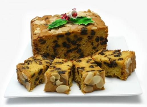 новогодний кекс с миндалем и изюмом