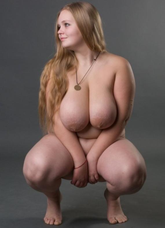 очарование пышного теле женщины