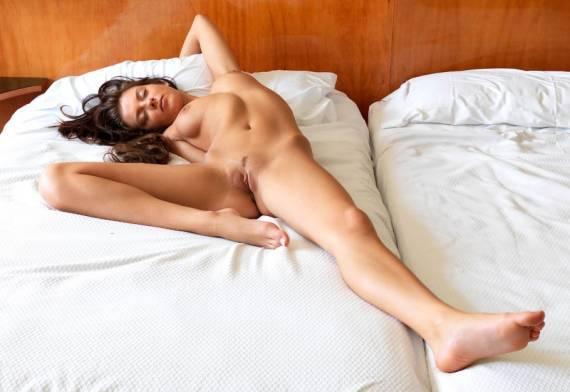 очарование голой девушки