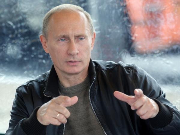 Путин разговаривает
