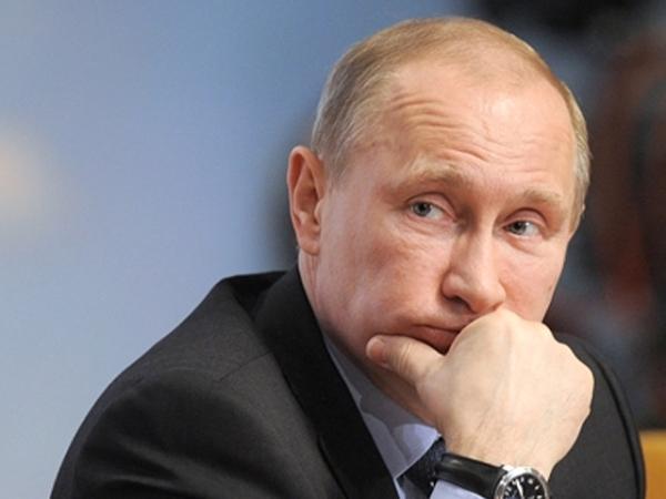 Путин задумчивый