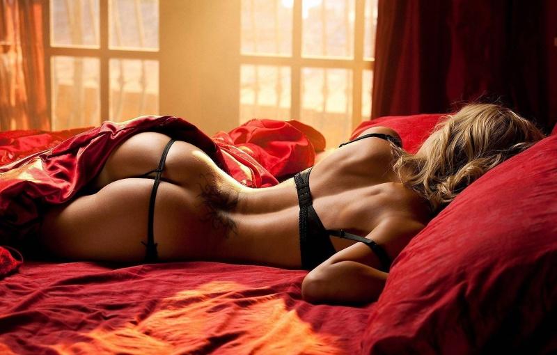 Сексуальные дамы сидящие на вибраторах 25 фотография