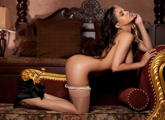 получаются шикарные снимки женщины на коленках
