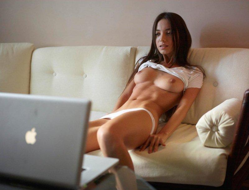 Общение по скайпу о сексе