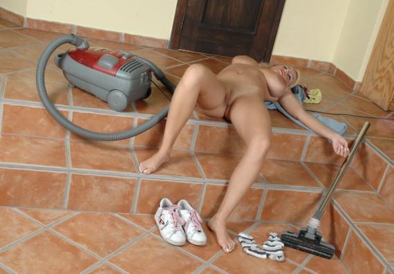 уборка в доме может быть сексуальной