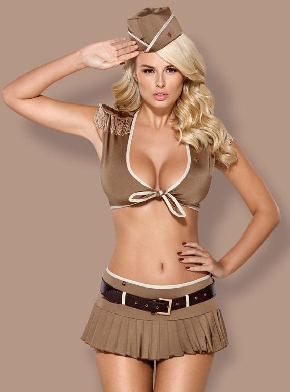 женщина военный